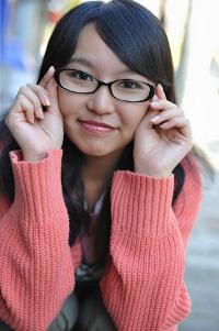 メガネをかけた女性