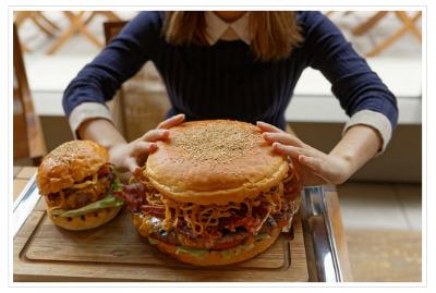 グランドハイアット東京(六本木)のジャンボサイズのハンバーガー